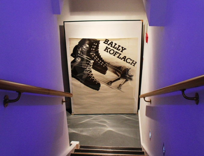 bally-staircase